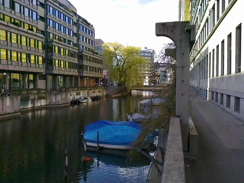 OBENHAUS Anwaltskanzlei für Steuerrecht steht Ihnen im Büro Zürich - begleitet Sie bei der Firmengründung und Ihren Geschäften in der Schweiz und besonders in Zürich, kümmern uns um Bewilligungen und vertreten Sie vor den Steuerämtern.